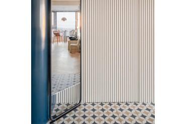 Concrete based patterned tile